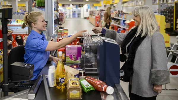 closed cash management, safepay, supermarket