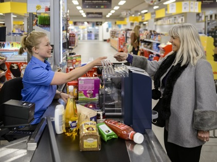 kontanthåndtering i detailhandlen. supermarked